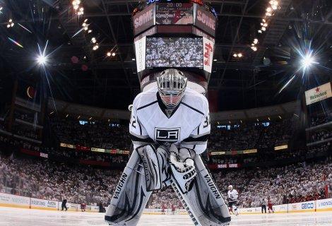 Bramkarskie popisy w Las Vegas – niedzielne NHL z singlem z kursem 4,80! Bonusy bukmacherskie na hokej